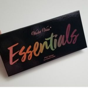 Essentials makeup palette